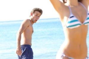men looking girls bikinis