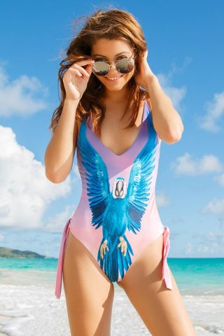 Macaw One Piece